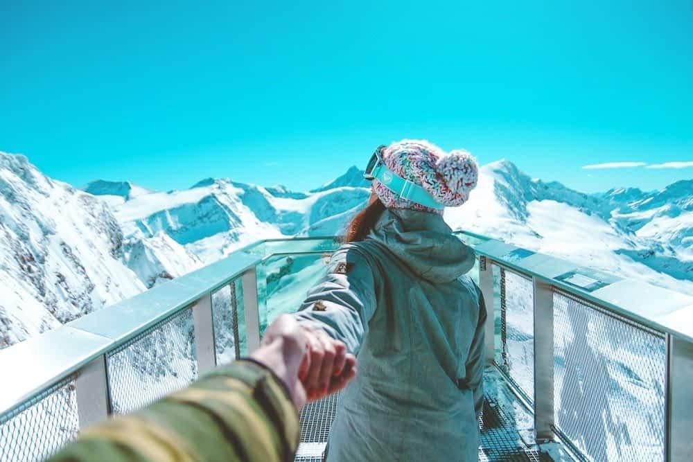 Couples ski season chalet hosting advice and tips